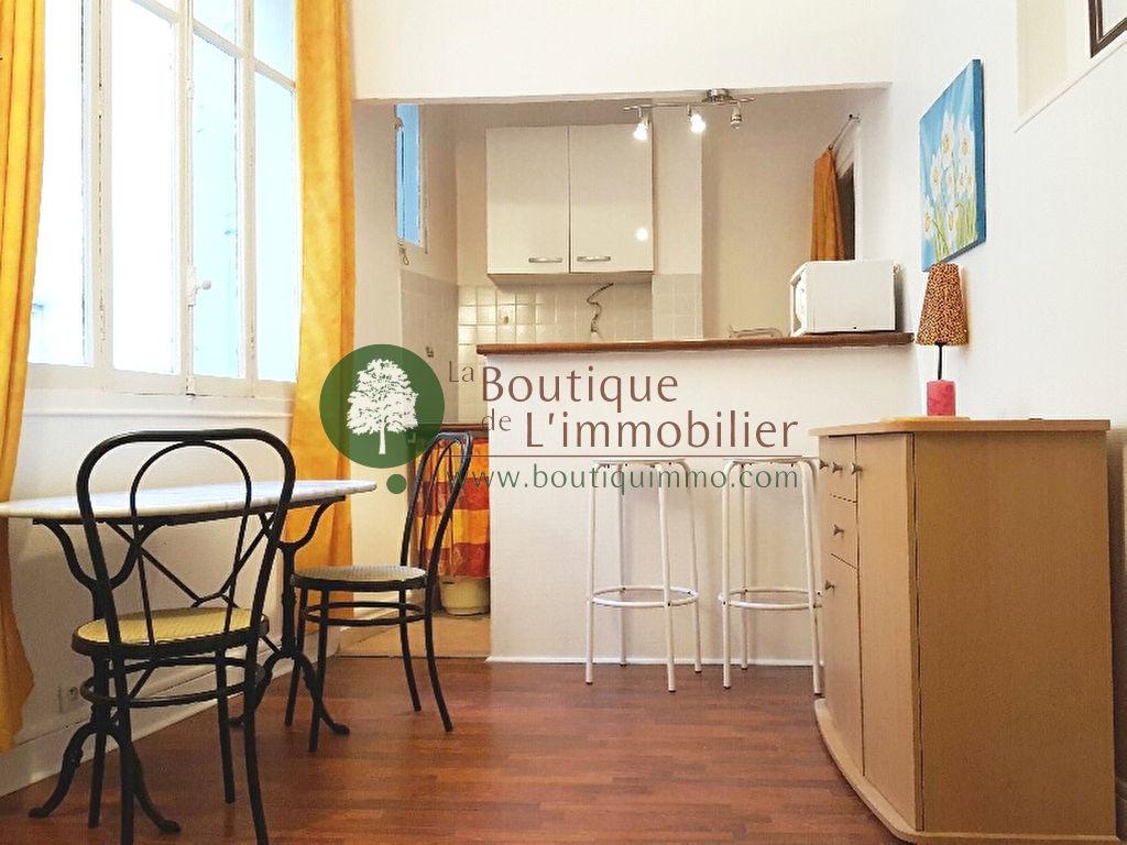Appartement Paris 1 pièce(s) 18 m2