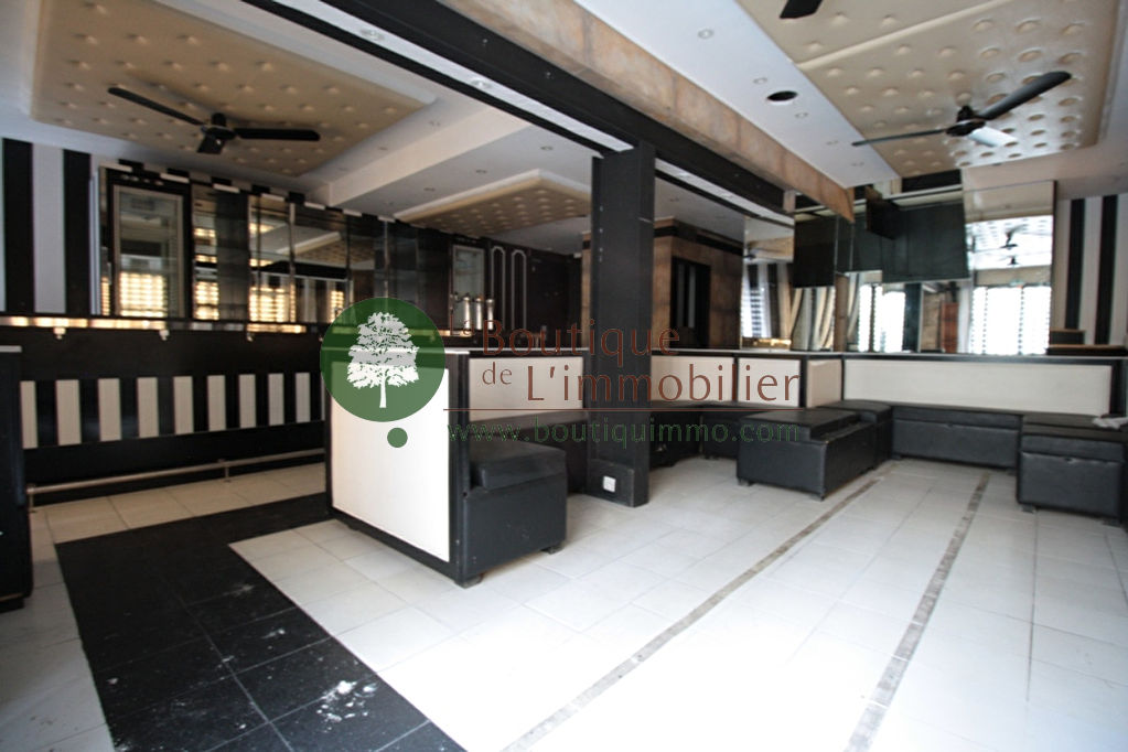 Local commercial pour restauration ou bar